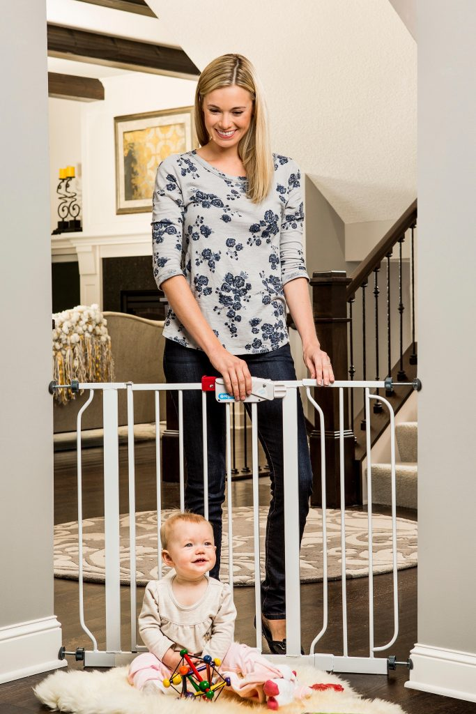 Easy Step Walk Thru Baby-Pet Gate